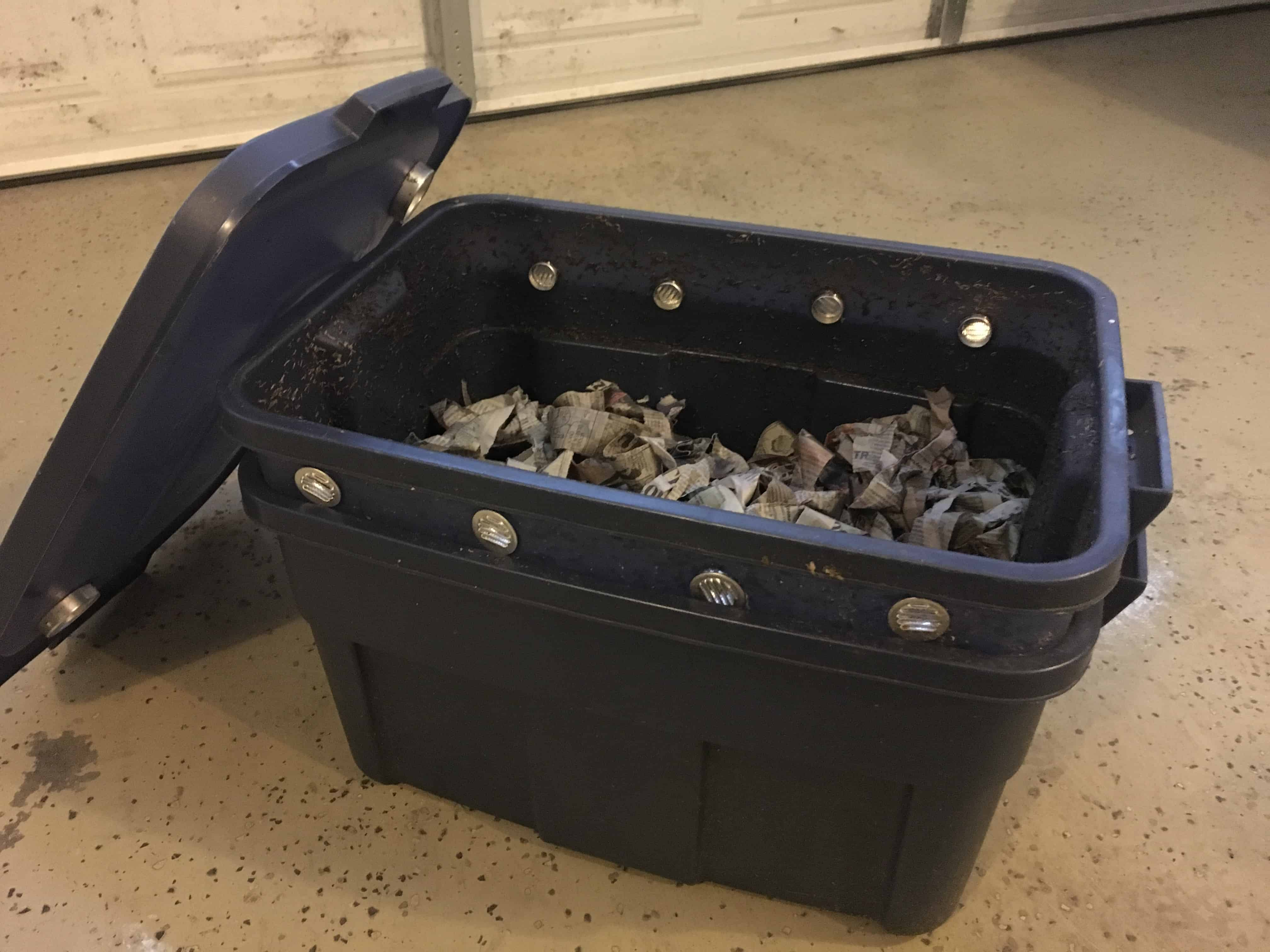 Small worm bin made from a Rubbermaid tote. https://trimazing.com/